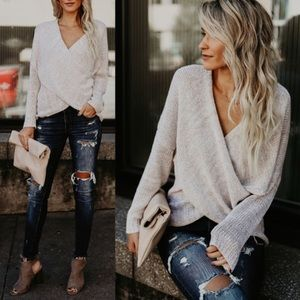 Sweaters - 💥1 hr flash sale💥Oatmeal Front Overlap Sweater